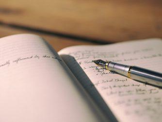 Füller auf Tagebuch